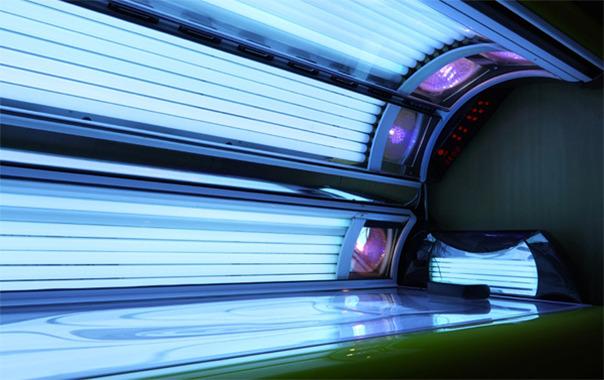 Bronzul la solar - un risc in plus pentru a dezvolta cancer de piele