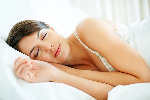 Ce mananci seara te poate ajuta sa slabesti in timp ce dormi