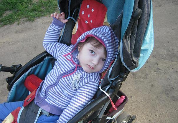 O fetita de 4 ani are nevoie de ajutorul nostru!