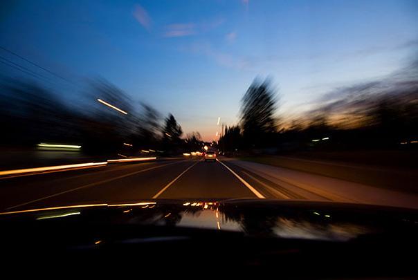 Cum trebuie sa fie ochelarii de condus noaptea